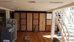 Namaste vloeren, clickhout vloeren, laminaat vloeren, kurk vloeren, PVC vloeren, Tapijt, Vinyl en houten vloeren in Hilversum en lelystad